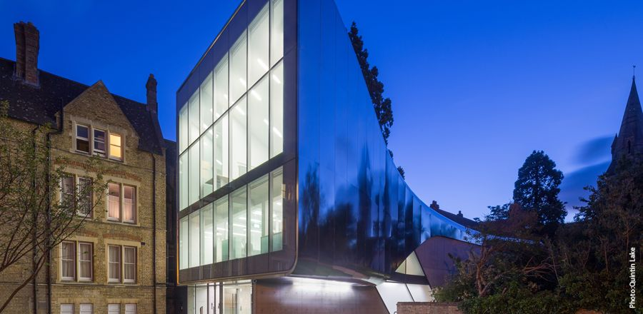 Investcorp-building-mit-frener-reifer-02 –  freeform-facade-from-frener-reifer-02
