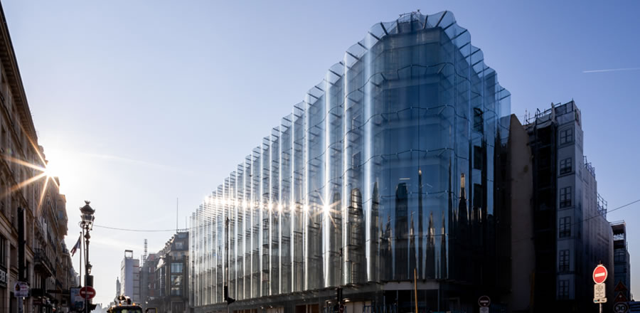 Installation undulating glass façade 02 - Samaritaine Paris - FRENER & REIFER