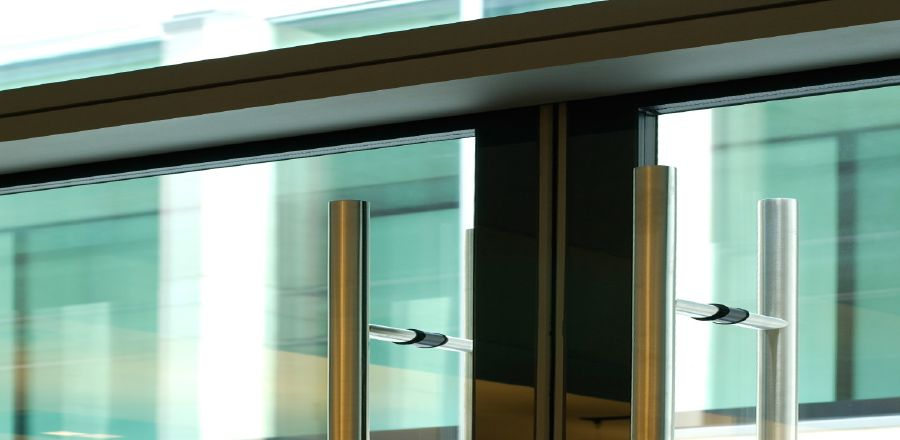 all-glass insulating door Bressanone – pivoted doors