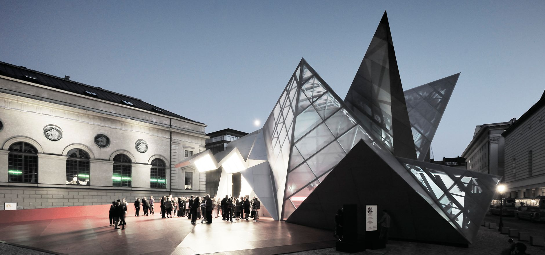 "pavilion 21"" mini opera space"